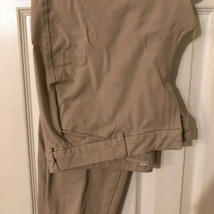 Old Navy khakis excellent condition